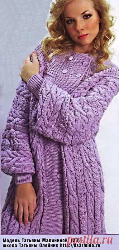 Вязаное пальто с кокеткой. Сиреневое вязаное пальто Размер: 44-48  Расход пяжи 1800 г шерстяной пряжи/125м / 50 г) сиреневого цвета. Спицы №3,5, ли и № 5 фирмы