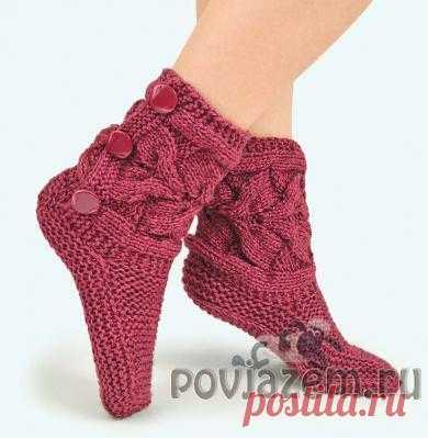 Теплые бордовые носки спицами