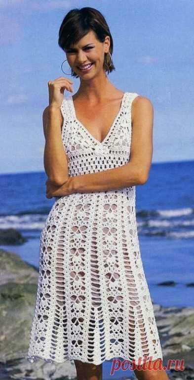 красивое белое кружевное вязаное платье вяжем крючком и спицами