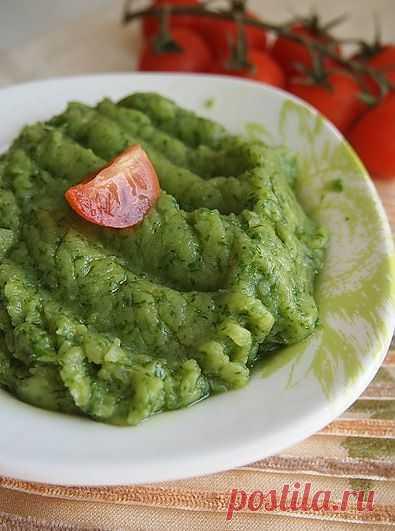 Идея разноцветного пюре! Пюре из запеченного картофеля с печеным чесноком и зеленью.