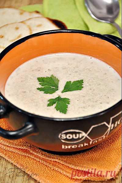 """Чечевичный суп-пюре с кокосовым молоком и имбирём. Ну очень вкусный, по словам автора блога, суп. Занесенный в разряд """"любимые"""" ;)"""