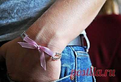 Простой браслет из бантика и цепочек / Аксессуары (не украшения) / Модный сайт о стильной переделке одежды и интерьера