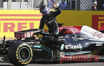 Штраф - не помеха. Хэмилтон выбил Ферстаппена и выиграл Гран-при Великобритании. Россиянин Никита Мазепин занял 17-е место