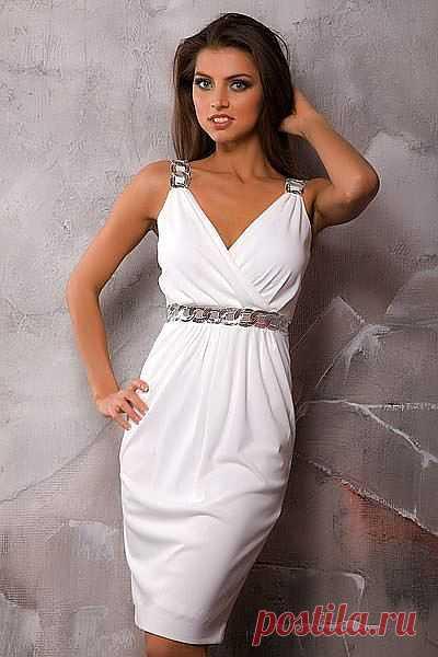 Летнее платье в греческом стиле.