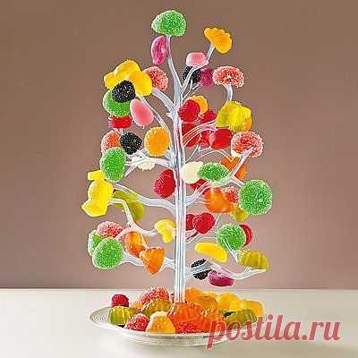 Дерево для сладостей - 499 руб -  Насадите конфетки на «веточки» деревца, и сказочное угощение готово! Подходит также для подачи на стол цукатов, небольших фруктов, маслин, корнишонов. Сборная конструкция