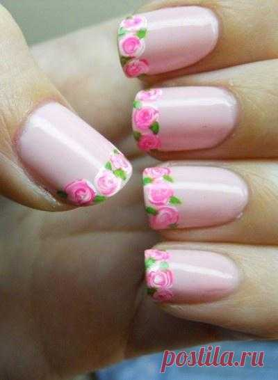 Flowers on tips of nails