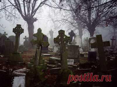 Как поминать усопших на Радоницу если кладбище далеко расскажет наша статья, как правильно это делать