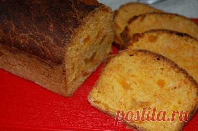 Bread carrot with dried apricots: Bread, long loafs, baguettes, ciabatta