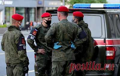 На Балтийском флоте проводят проверку после нападения военного на отдыхающих у моря. По данным СМИ, военный напал на мужчину, который отдыхал с супругой в палатке на пляже в районе Гвардейского бульвара