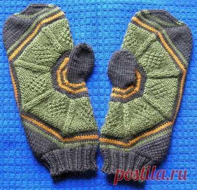 Оригинальный способ вязания варежек спицами. Вязание варежки начинается с вывязывания большого пальчика. Очень интересный способ, на мой взгляд. На сайте