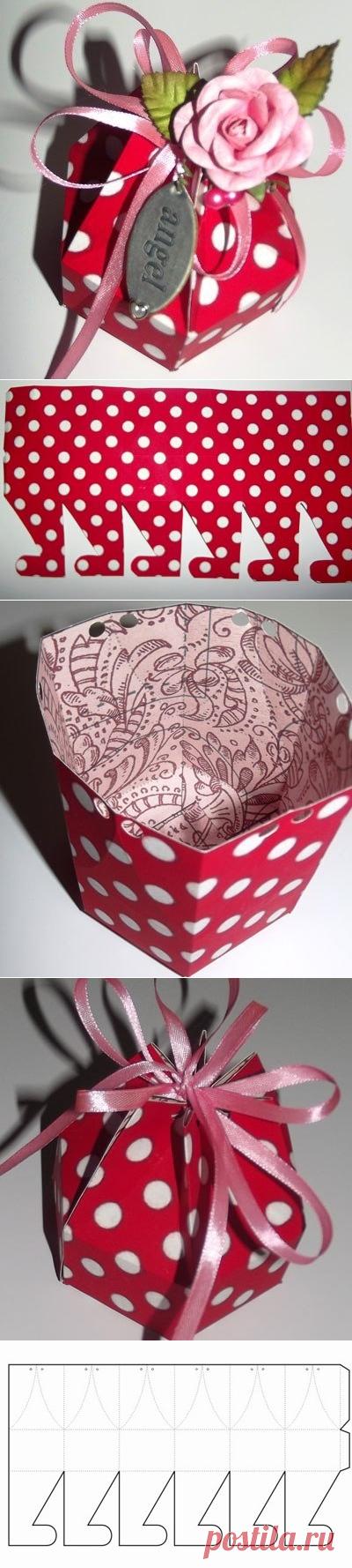 Шестигранная коробочка для подарка