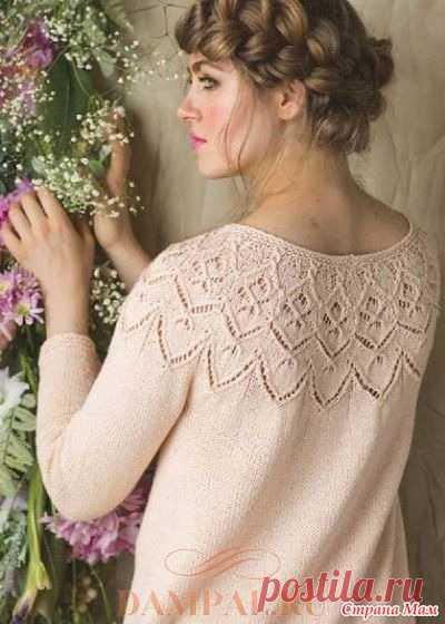 Пуловер «Целозия» Вязаный пуловер с ажурной круглой кокеткой украшен по низу интересной каймой, рисунок которой можно использовать в других моделях.  Размеры: