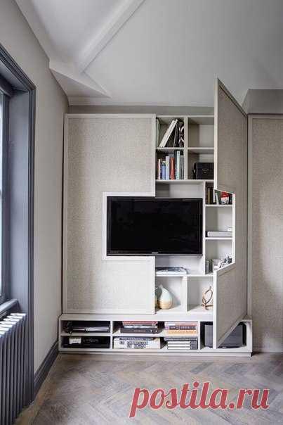 Один из самых крутых способов, использования места вокруг телевизора на стене