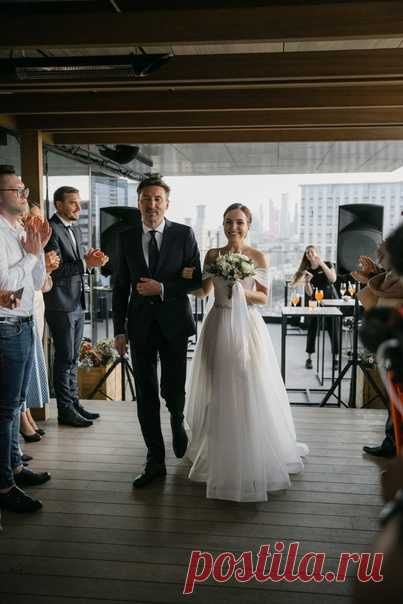 Осенняя свадьба в баре на крыше Hyatt Regency 🖤