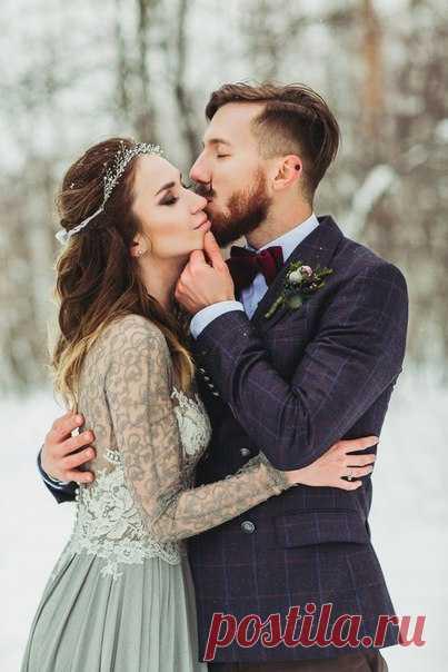Кристальная чистота морозного воздуха и два горячих сердца, решившие произнести клятвы любви друг другу посреди заметенной снегом лесной чащи. Вся серия: