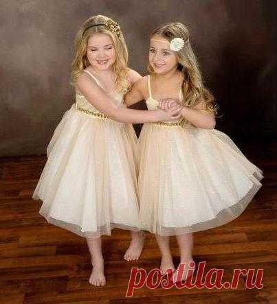 Украденное детство: http://newtopuri.blogspot.ru/2013/05/are-numai-6-ani-si-castiga-1-milion-de.html