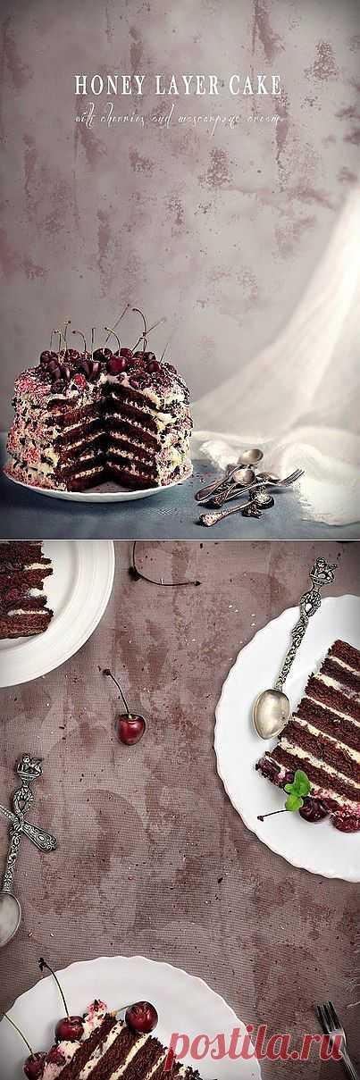 Медовый торт с вишнями и кремом маскарпоне » Кулинарные рецепты