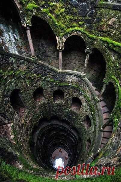 Изумительная лестница. Синтра, Португалия