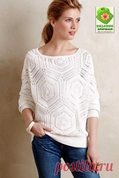 Белый ажурный пуловер из больших мотивов..