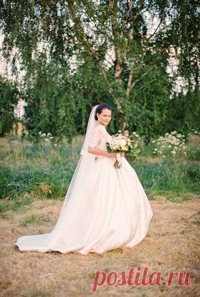 Классическое пышное платье невесты - это любовь ❤ Вдохновляйтесь образами невест из наших лучших историй!