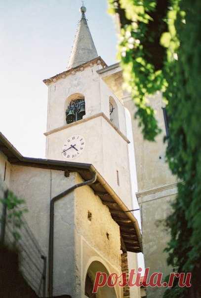 Итальянская свадьба Марии и Марко - это воплощение элегантности и романтики. Посмотреть продолжение истории: