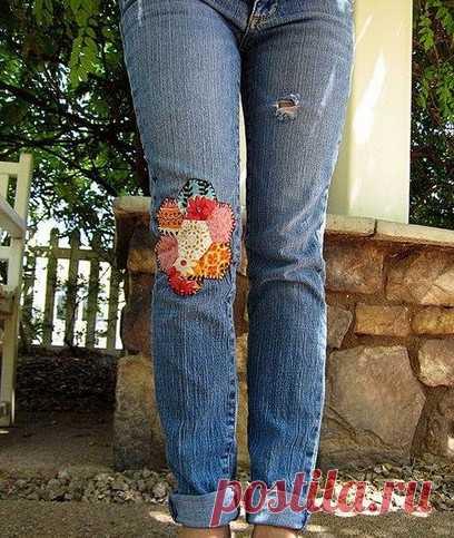 Дырка на джинсах – не повод выбрасывать их! 15 интересных идей для вдохновения