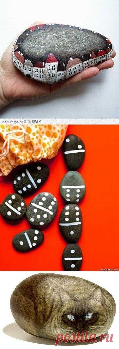 Едите летом на море? Захватите с собой краски и парочку идей для рисования на камнях. Забыли домино? Не проблема - есть  морские камушки и краски! Масса идей. Все просто!