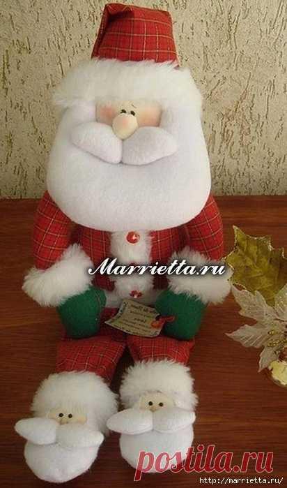 Санта Клаус в прикольных тапочках. Выкройка игрушки
