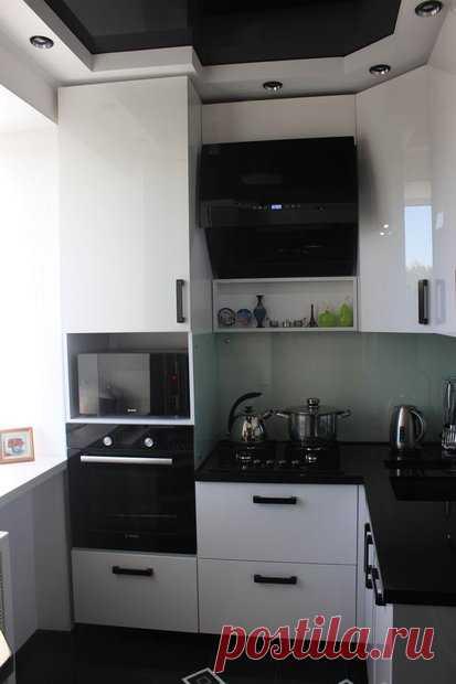 Стильная кухня 5.4 кв. м.