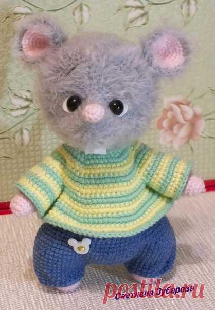 Влюбленные мышки. Мышонок. Вязаная игрушка. Амигуруми #влюбленныемышки #мышь #мышонок  #вязанаямышка #вязанаяигрушкакрючком #вязаныймышоноккрючком #амигуруми #амигурумимышонок #амигурумиигрушка  #вязание  #новогодняяигрушка #новыйгод2020 #игрушкасвоимируками #вашиработы