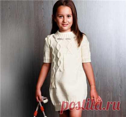 Платье-свитер с рельефным узором