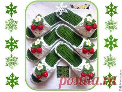 """Купить Тапочки """" Клубнички"""" на микропоре.(авторская работа) - зеленый, тапки, Вязание крючком"""