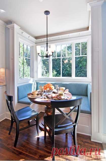 Эркер - фантастически простое решение для маленькой комнаты