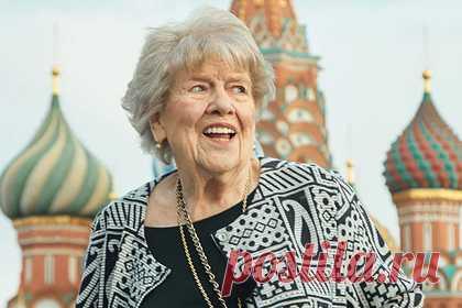 Экс-советница Рейгана рассказала о дружбе с агентом КГБ. Бывшая советница президента США Рональда Рейгана Сюзанна Масси сумела попасть в Советский Союз в 1983 году благодаря протекции офицера КГБ, с которым у нее завязались дружеские отношения. По словам экс-советницы, она познакомилась с сотрудником КГБ в 1981 году, когда пыталась добиться разрешения на въезд в СССР.