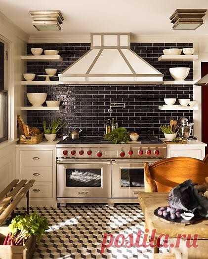 Идеи открытых стеллажей на кухне