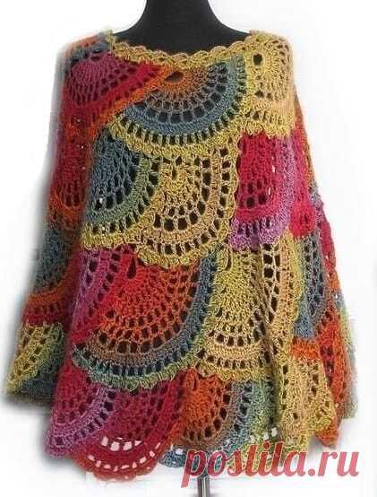 Разноцветное пончо, связанное крючком