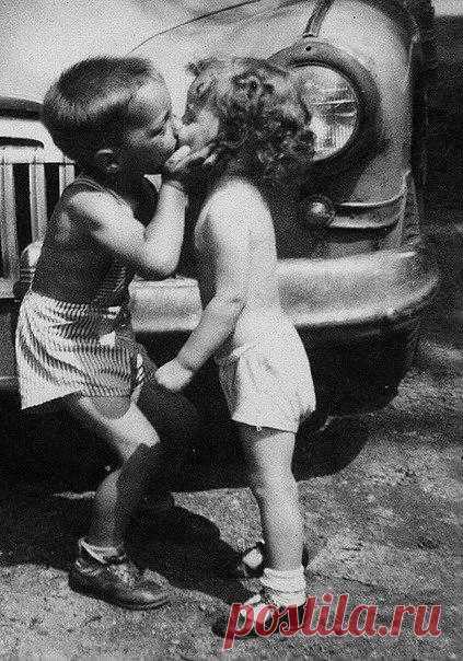 Первый поцелуй робкости полный