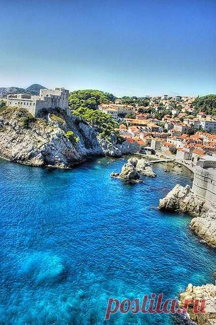 """Всеми известный Жак Ив Кусто утверждал, - """"Дубровнику и его окрестностям принадлежит самое чистое море всей Адриатики"""". Дубровник, Хорватия"""