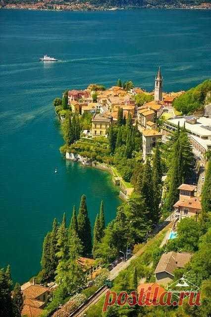 Варенна , озеро Комо , Италия .