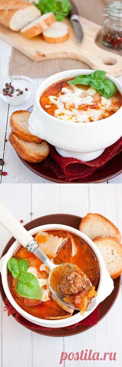 Суп лазанья для настоящих любителей лазаньи! Густой, питательный, с насыщенным вкусом томатов и итальянских трав.