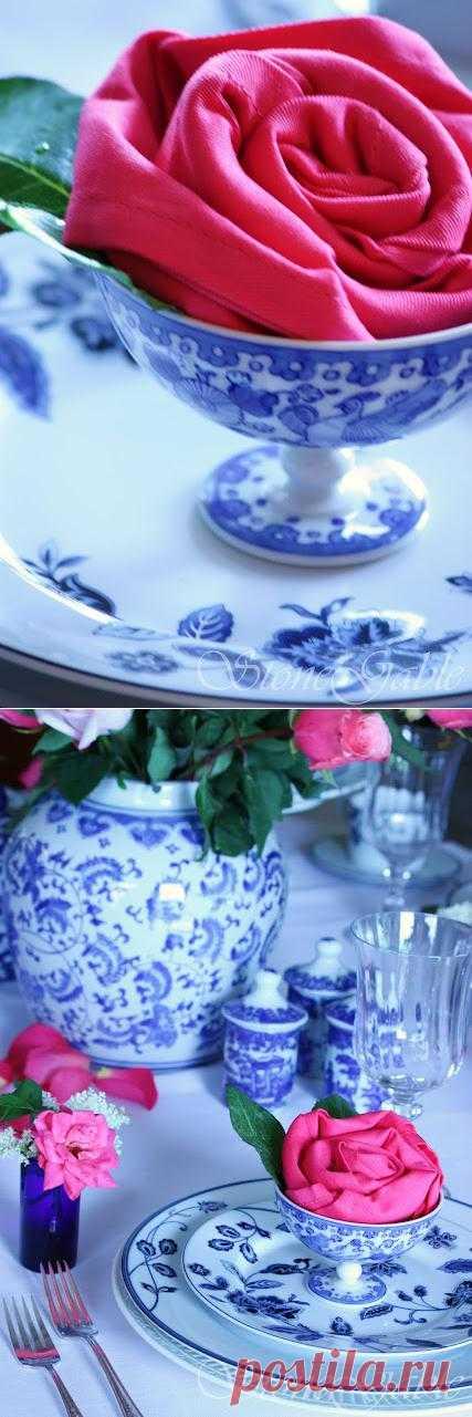 Салфетка в виде розы. Обязательно посмотрите этот урок и удивите гостей!