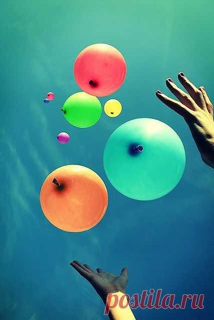 Есть только миг между прошлым и будущим, именно он называется жизнь.