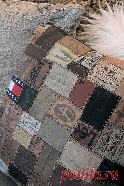 Подушка из лейблов джинсов / Переделка джинсов / Модный сайт о стильной переделке одежды и интерьера