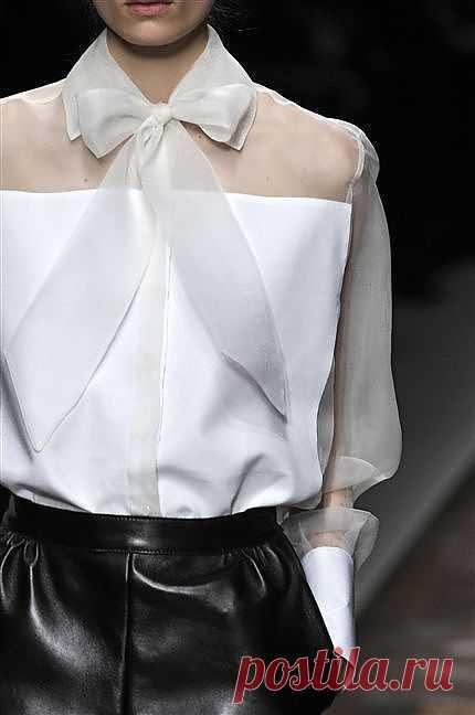 Блузка Valentino Fall 2012 / Сумки, клатчи, чемоданы / Модный сайт о стильной переделке одежды и интерьера