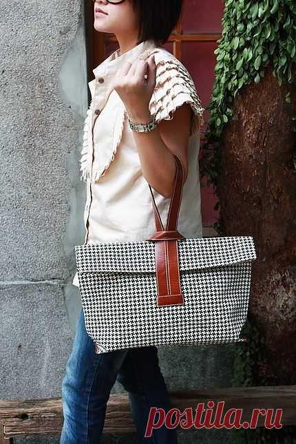 Сумка с интересной ручкой / Сумки, клатчи, чемоданы / Модный сайт о стильной переделке одежды и интерьера