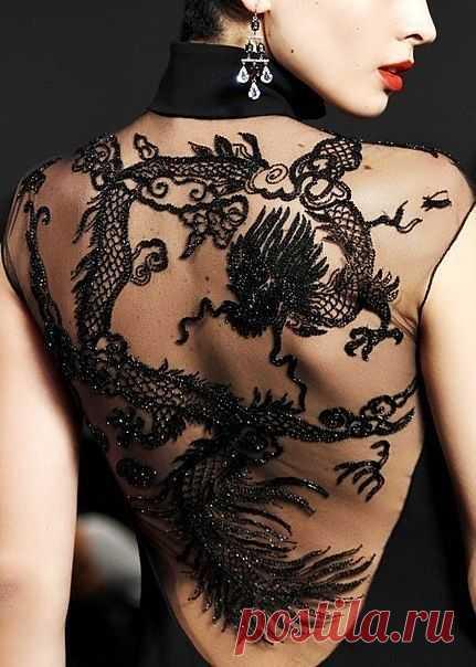 Девушка с татуировкой дракона / Декор спины / Модный сайт о стильной переделке одежды и интерьера