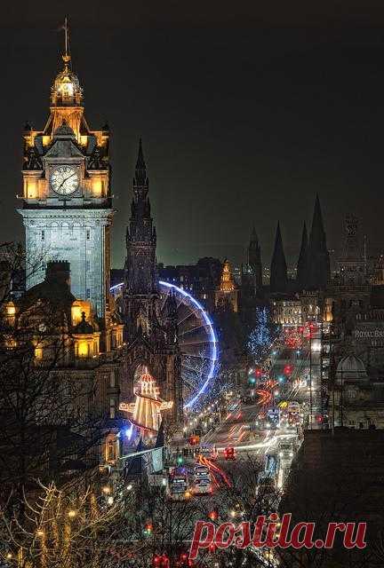 Вечерний Эдинбург.  Древняя столица Шотландии. Город привлекает около 13 млн туристов ежегодно, являясь вторым по популярности (после Лондона) туристическим направлением Великобритании.