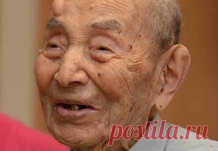 Метод лечения водой от долгожителей - долой болезни! Японцы — признанные долгожители, их здоровью искренне завидуют жители других стран. Это очень популярный сегодня метод в Японии. Необходимо пить воду сразу после утреннего пробуждения. Для многих заболеваний вода является …
