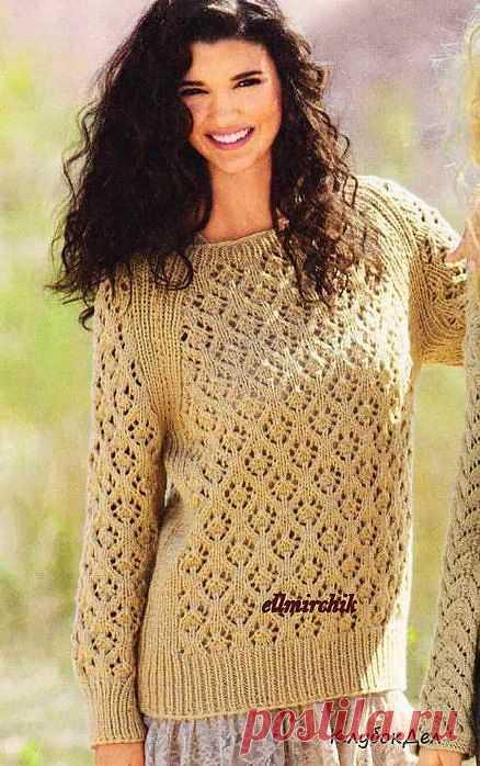 Пуловер реглан цвета верблюжьей шерсти.