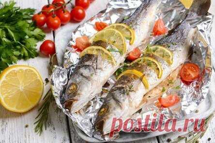 Рыба, запеченная в фольге в духовке: 20 отличных рецептов